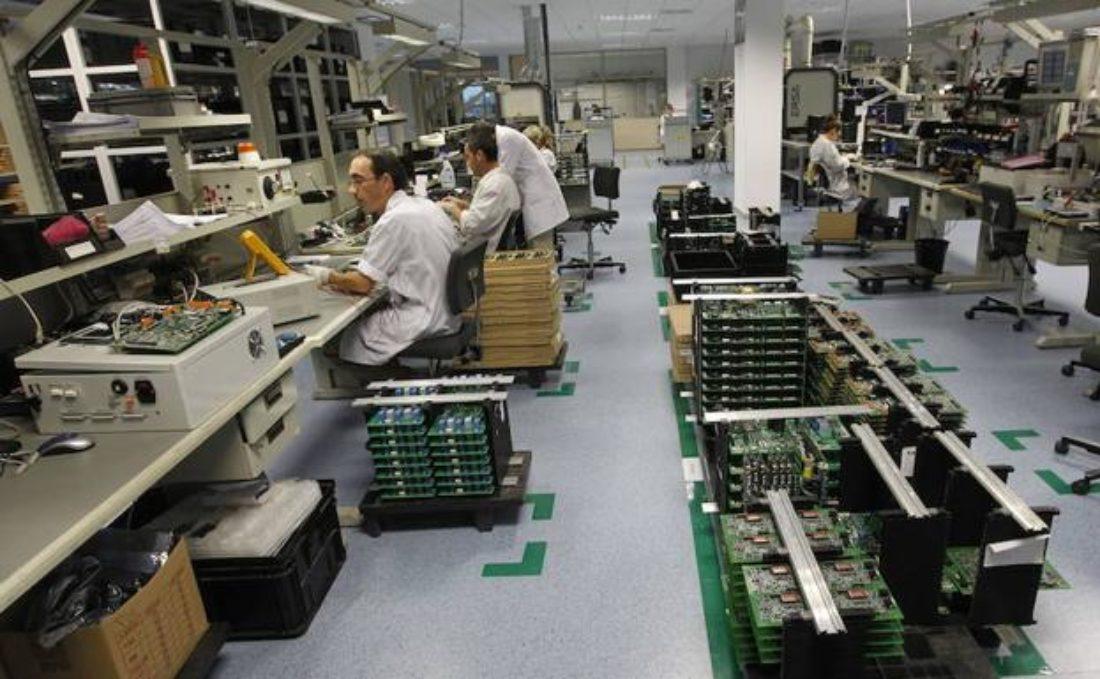 Power Electronics hace caso omiso a las directrices del gobierno ante la pandemia del Covid-19