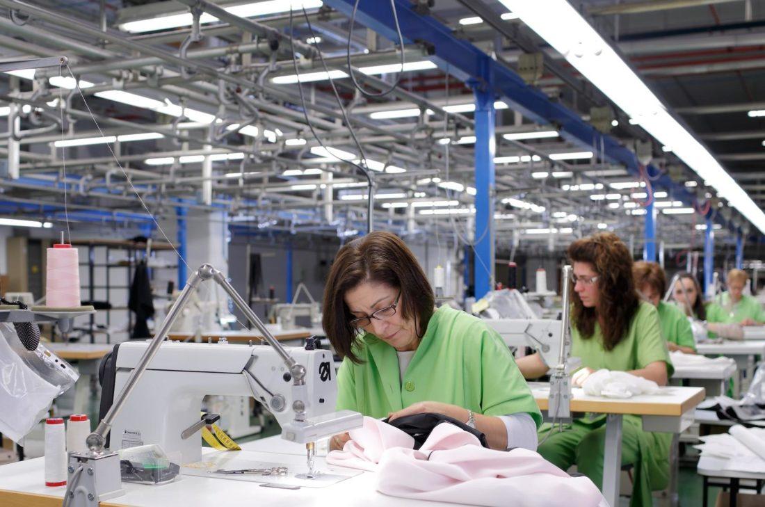 CGT critica que se mantenga actividad en Inditex para ropa de mercado