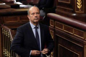 El ministro de Justicia, Juan Carlos Campo, pretende que los trabajadores de la Administración de Justicia nos saltemos la Ley