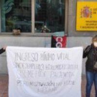 La Dirección Provincial de la Seguridad Social resuelve favorablemente el Ingreso Mínimo Vital de Cintia tras dos días de protestas en Málaga