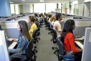 La multinacional del telemarketing, 'Emergia Contact Center', comunica un despido colectivo de 423 personas